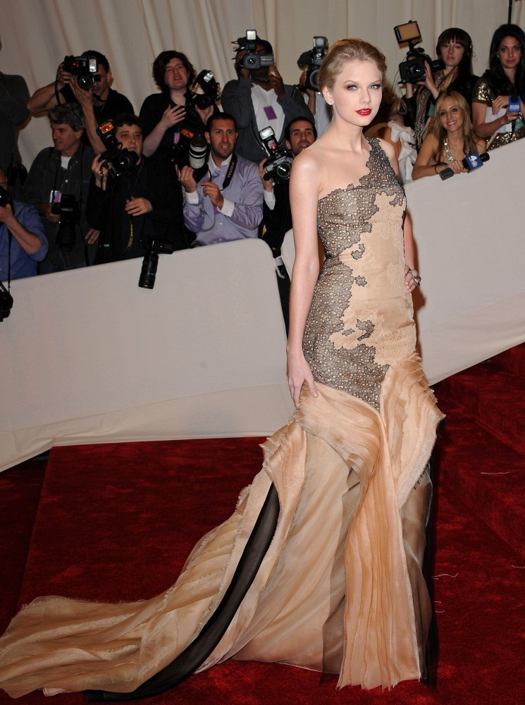 Taylor Swift Taylor Swift Photos 2011 Met Costume Institute Gala Zimbio
