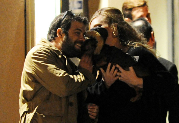 Adele and Boyfriend Greet the Dog