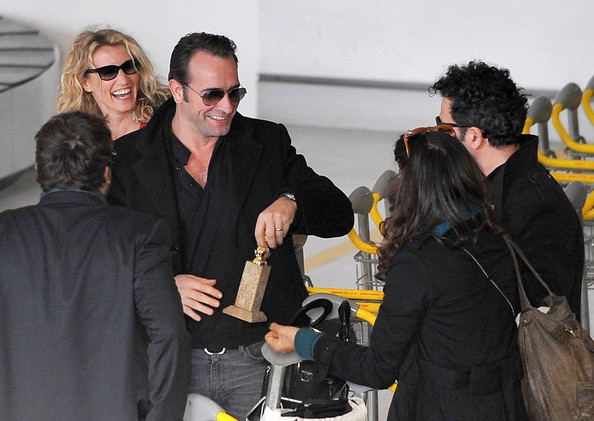 Alexandra lamy and jean dujardin photos photos jean for Jean dujardin et ses enfants