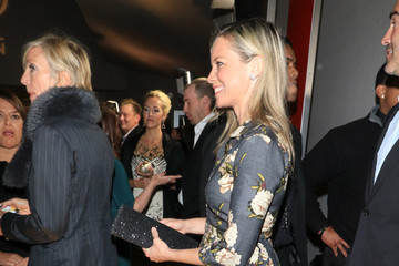 Amy Smart Amy Smart Outside 15th Annual Global Green Pre-Oscar Gala At NeueHouse