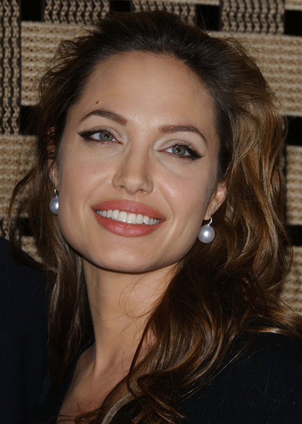 angelina-jolie-earrings