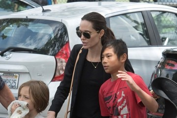 Angelina Jolie Angelina Jolie Watches Her Kids Play Soccer