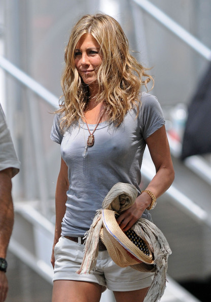 jennifer aniston nip