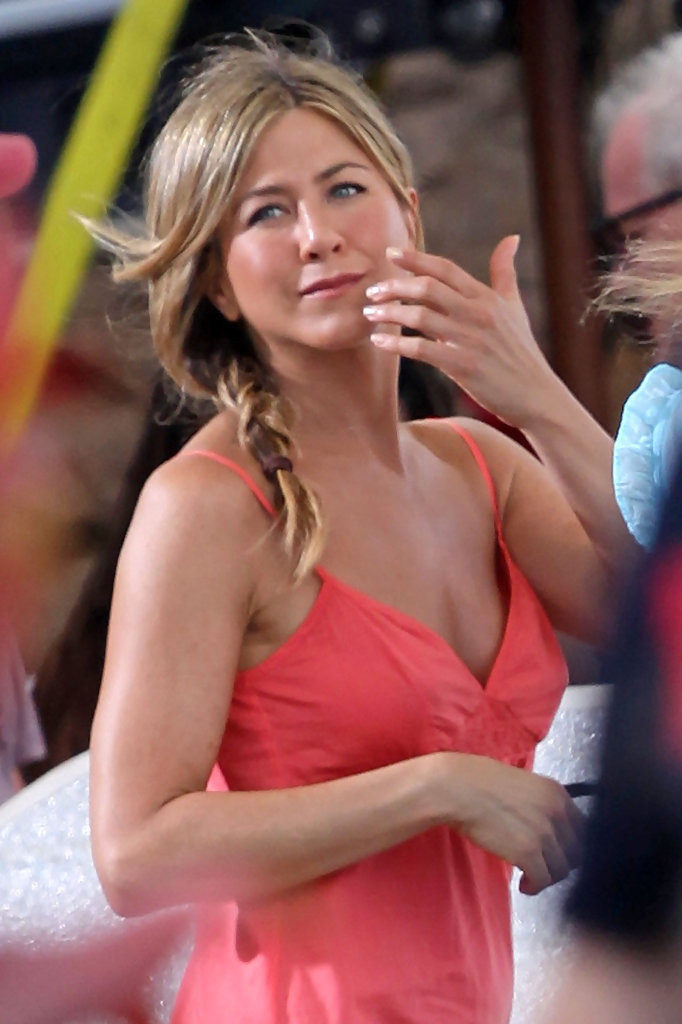 Jennifer Aniston Photos Photos - Cast and Crew of 'Just Go ...