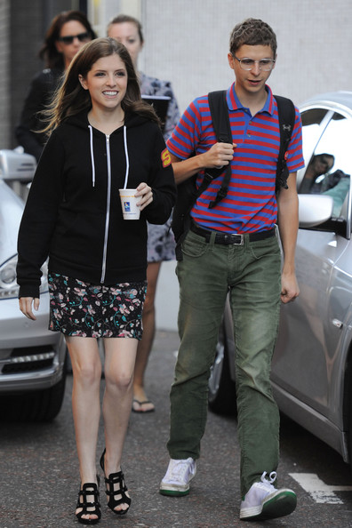 aubrey plaza dating michael cera Justin theroux and aubrey plaza sparked rumors when they were plaza and filmmaker baena have not only been dating since (photo by michael tran.