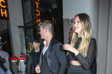April Love Geary Robin Thicke And April Love Geary Dine At Catch Restaurant