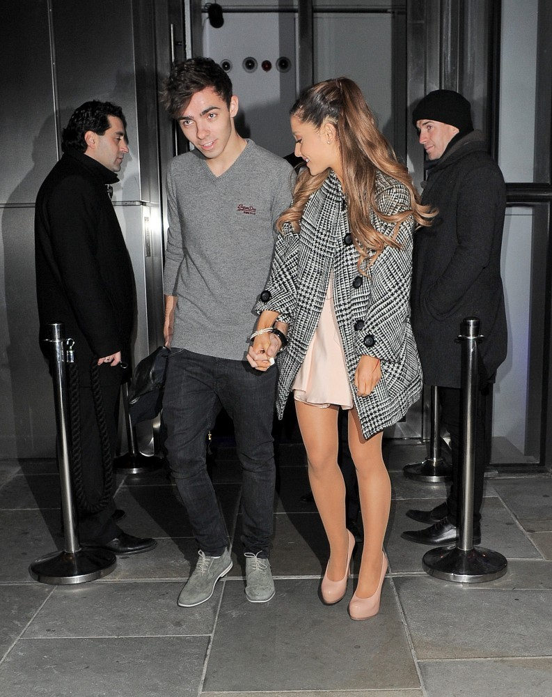 who is nathan sykes dating 2016 Nathan sykes's early life, childhood, and education sykes was born in the abbeydale section of gloucester, nathan james sykes is an english singer, songwriter, and record producer and best known as the youngest member of the anglo-irish boy band 'the wanted.