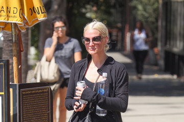 Ashlee Simpson Ashlee Simpson Out in Los Angeles