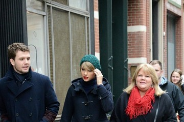 Austin Swift Taylor Swift Hangs with Family in NYC