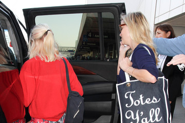 Ava Phillippe Reese Witherspoon and Her Family Are Seen at LAX