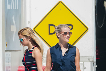 Ava Phillippe Reese Witherspoon and Daughter Ava Hang out Together