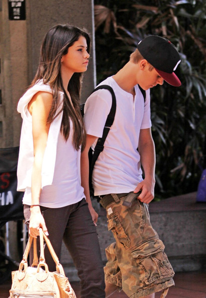 justin bieber and selena gomez 2011 in hawaii. Selena Gomez and Justin Bieber