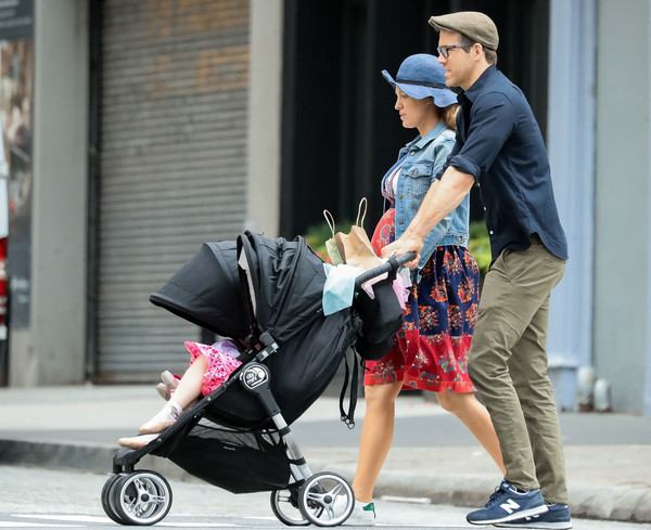 Blake Lively And Ryan Reynolds Take Their Daughter For A Walk