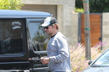 Bradley Cooper Irina Shayk Bradley Cooper, Irina Shayk, And Their Daughter Are Seen Out In L.A.