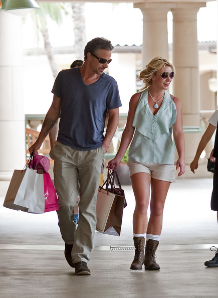 Britney Spears Britney Spears and boyfriend Jason Trawick go shopping at The Shops at Wailea.A little girl walking behind her got annoyed with the slow pace of her entourage and bypassed the group running to everyones amusement.
