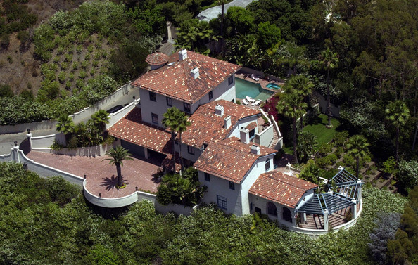 Britney spears photos photos celebrity homes zimbio for Famous homes in beverly hills