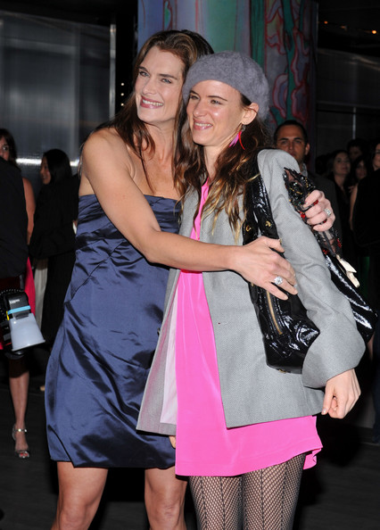 a65b1edc582c Brooke Shields Photos Photos - Prada