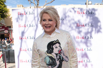 Candice Bergen Katie Aselton Attends Paramount Pictures' Premiere Of 'Book Club'