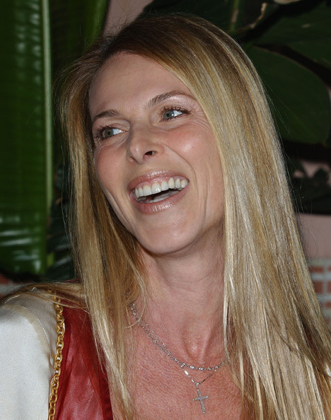 catherine oxenberg divorce