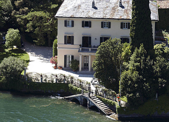 George clooney in celebrity homes zimbio for Lake house in italian