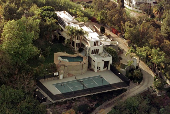 photo: house/residence of friendly 60 million earning San Fernando Valley, USA-resident