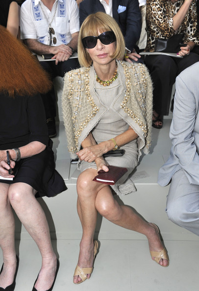 d0a4570f4b9f Anna Wintour and Karl Lagerfeld strike a pose backstage at Chanel