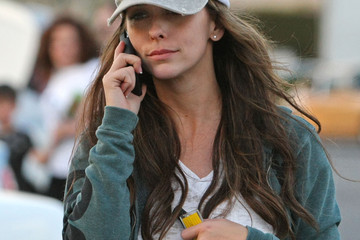 Jennifer Love Hewitt Chatty Celebs on their Cell 2008