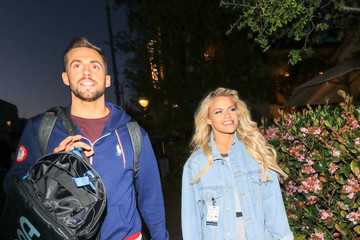 Chris Mazdzer Witney Carson Witney Carson And Chris Mazdzer At The Grove In Hollywood