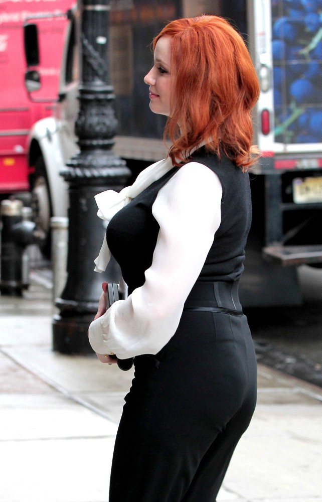 christina hendricks ass pics