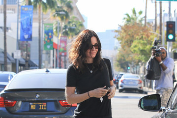 Courteney Cox Courteney Cox Runs Errands in Los Angeles