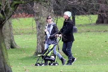 Daisy Lowe Gwen Stefani and Gavin Rossdale Take the Kids to the Park