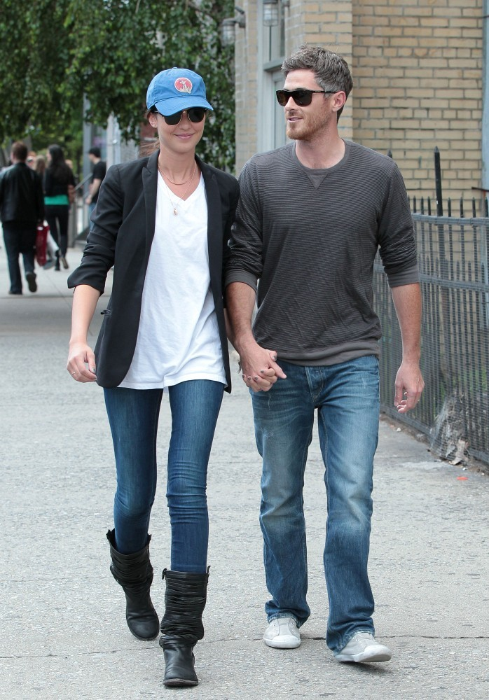 Odette Annable Photos Photos - Dave Annable Out in NYC ...