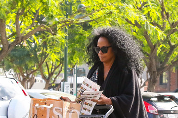 Diana Ross Diana Ross Goes out for Groceries