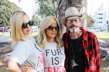 Donna D'errico Celebrities Join An Anti-Fur Protest In Beverly Hills