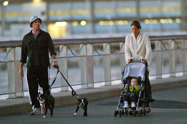 Ed Burns and Christy Turlington Walk []