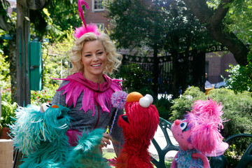 Elizabeth Banks Elizabeth Banks on the Set of 'The Muppets'