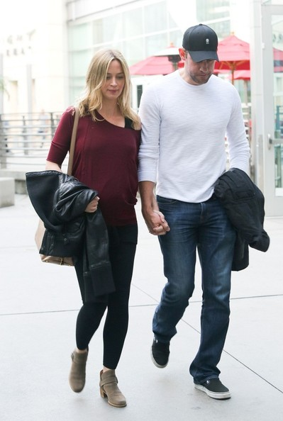 emily blunt dating history Find out more about british actress emily blunt,  blunt met canadian singer michael bublé in 2005 and the two began dating  british actress emily watson.