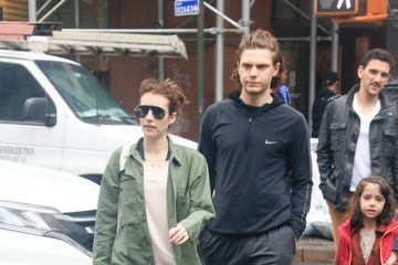 Emma Roberts Emma Roberts and Evan Peters Go for a Walk in NYC