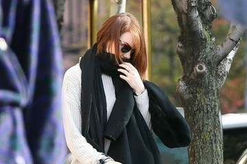 Emma Stone Emma Stone Bundles Up in NYC