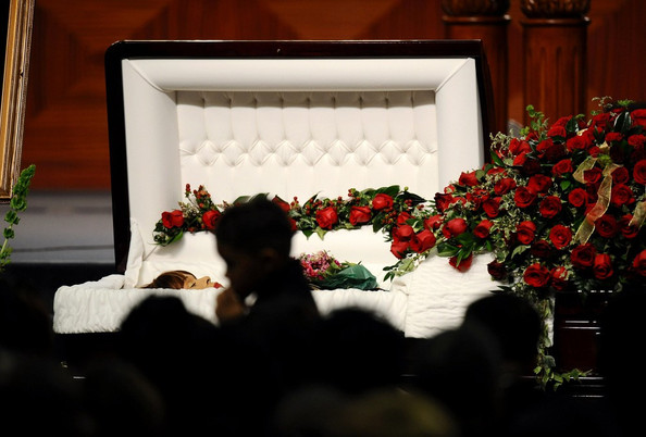 Natina Reed Funeral Open Casket 61684 Infovisual