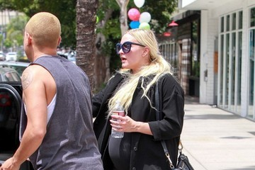 Evan Ross Evan Ross and Ashlee Simpson Hit the Gym