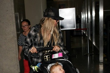 Fergie Fergie and Family at LAX