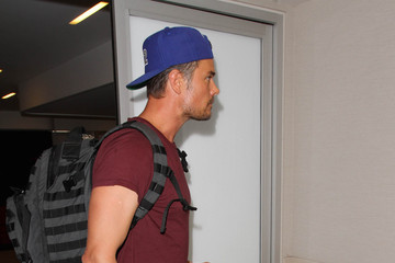 Fergie Fergie and Josh Duhamel Hit the Airport