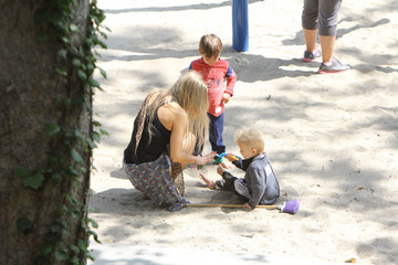 Fergie Fergie and Josh Duhamel at the Park With Axl