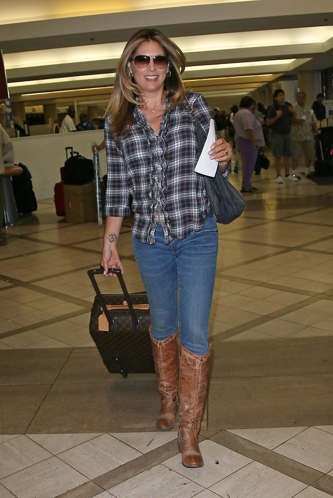 Daisy Fuentes Photos Photos Daisy Fuentes At Lax Zimbio