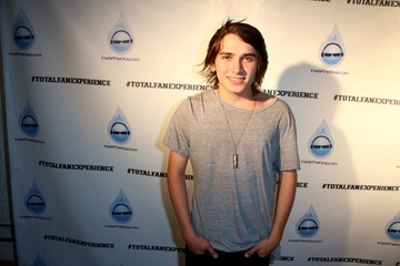 Gavyn Bailey Celebs at the MyLife MyMusic MyWater Event