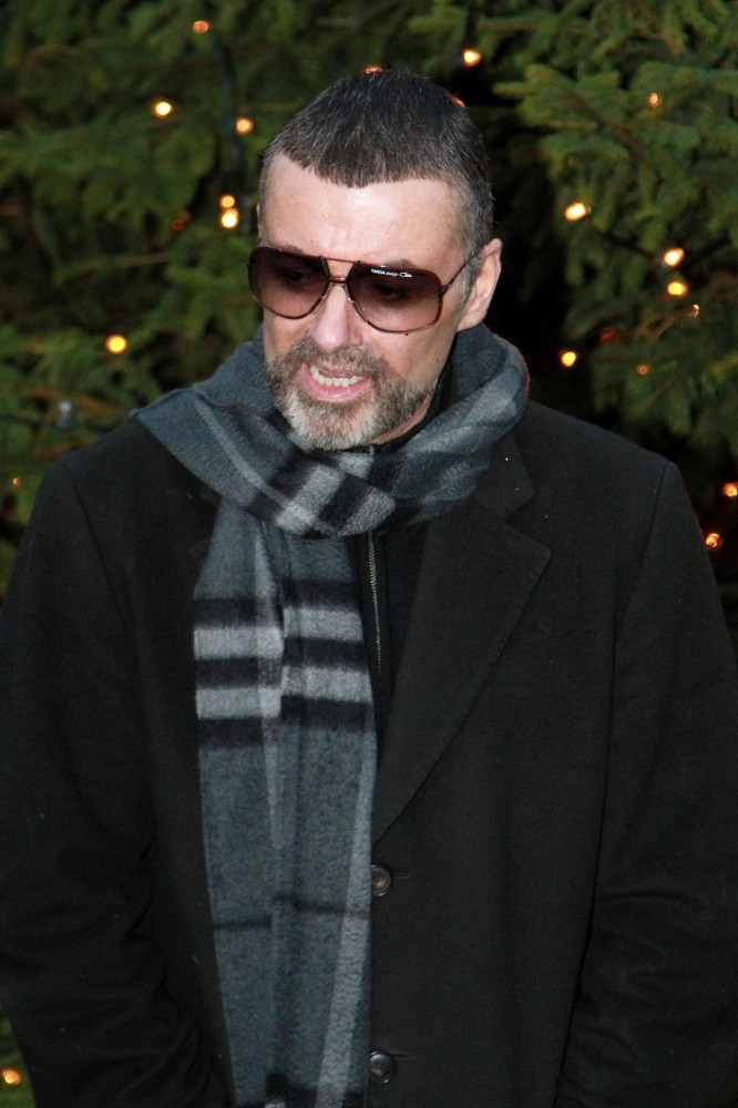 george michael photos photos george michael at home in