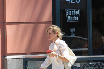 Gillian Vigman Gillian Vigman Runs Errands in Beverly Hills