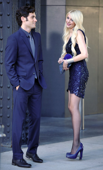 penn badgley in gossips meaty location zimbio