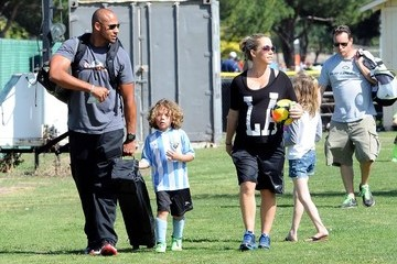 Hank Baskett Kendra Wilkinson Cheers on Her Son